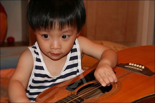 彥玩吉他09