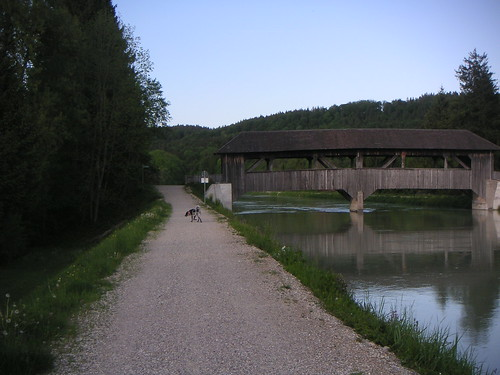 Der Dammweg bis zum Bruckenfischer ist schön, zieht sich aber ein wenig.