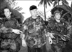 Denard detenido por tropas francesas en 1995