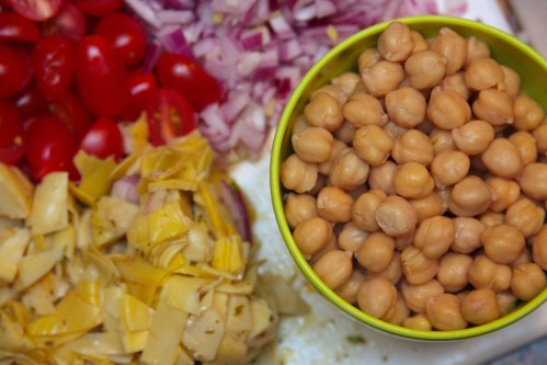 garbanzo beans, chokes, onions, tomatoes