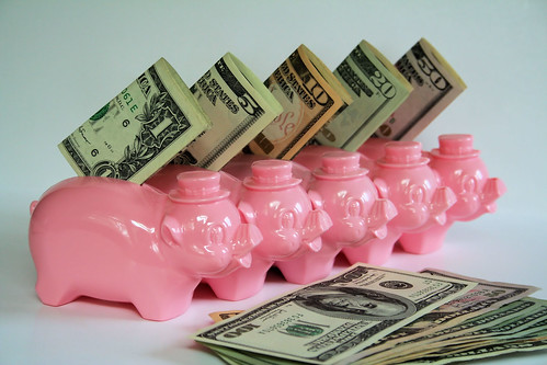 piggy banks by Lubrico.