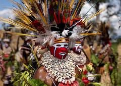 Hagen woman papua New Guinea (Eric Lafforgue) Tags: pictures festival photo highlands picture culture highlander tribal mount hasselblad highland papou tribes png tribe papuanewguinea papua ethnic hagen headdress singsing headwear papu ethnology headgear tribu  ethnologie coiffe h3d ethnique papous papuaneuguinea lafforgue papuanuovaguinea  ethnie ericlafforgue papuan hagener papouasienouvelleguine mounthagen mounthagenshow papuans papoeanieuwguinea papusianovaguin mthagenshow ericlafforguecom a9504   papuanewguineapicture papuanewguineapictures paouasienouvelleguinephoto papouasienouvelleguineephotos papuanewguineanpeople mthagenfestival mounthagenfestival maquillagemounthagen maquillagemthagen makeupmthagen papanuevaguinea augustfestival    paapuauusguinea  papuanovaguin papuanovguinea   bienvenuedansmatribu