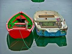 Txalupas 1 (Roberto AI) Tags: espaa boats boat spain barca barcas bizkaia basque euskalherria euskadi vizcaya basquecountry smallboat pasvasco txalupa smallboats zierbena artlegacy puertodezierbena discoveryphotos grouptripod