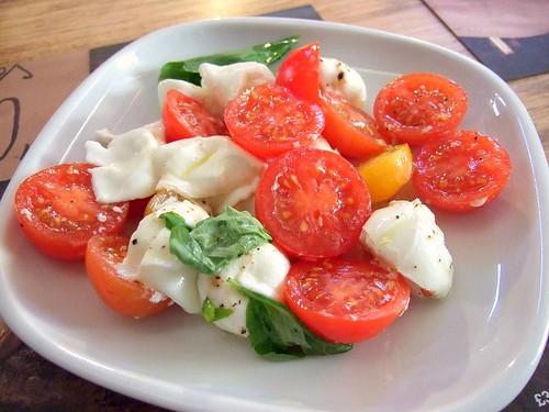 tomato bonconcini salad