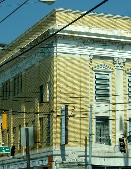 P1110069-2011-05-20-Dill-Ave-at-Metropolitan-Capitol-View-Masonic-Lodge-1921