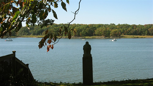 Buddha overlooks the water