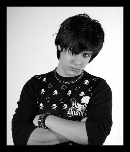 2095537997 cc994142b4 b Cool Emo Boys Haircuts Long Bangs, Fringes