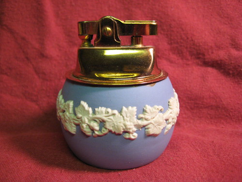 Wedgewood Table Lighter 1966