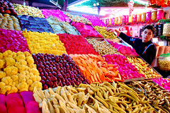 Colourful Pickles, Damascus (friend_faraway *) Tags: city food market middleeast arab syria pickles marketplace bazaar damascus bazar oldcity 5photosaday fotogezgin