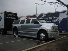 Huge Ford F-550 (robr3004) Tags: trucks midamericantruckingshow