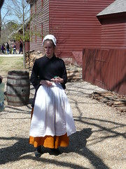 Lady of the Town (Andy961) Tags: people virginia costume clothing dress colonial apron va williamsburg colonialwilliamsburg reenactors
