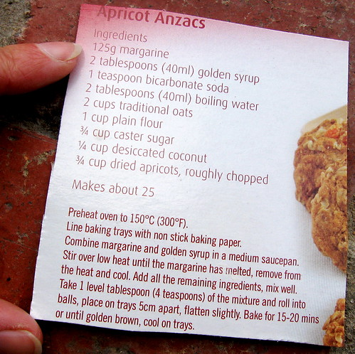 Anzac biscuit recipe with apricot