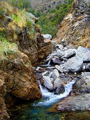 Paisaje serrano (jagar41_ Juan Antonio) Tags: agua sanluis sierras cerros arroyo piedras