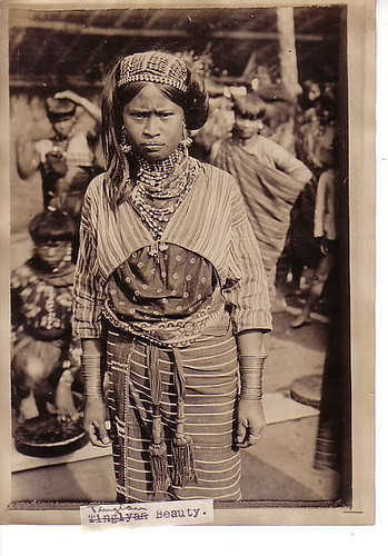 Tingian girl, Philippines 1911  Philippine Buhay Pinoy Noon old pictures photograph black and white Philippines  Filipino Pilipino  people photos life Philippinen