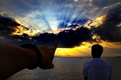 Awe (jeridaking) Tags: sunset sea sky sun mountain mike clouds canon point 350d bay pier boat asia southeastasia hand horizon philippines watch fingers filipino rays rebelxt awe ralph pinoy visayas iipc pilipinas ipil cloudburst leyte ormoc bisaya bisdak ormocanon jeridaking matres fortheloveofphotography iipcphoto wwwiipcphotocom iicphotocom leytephotographer ormocphotographer
