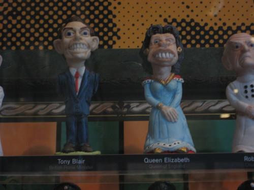 Tony Blair and Queen Elizabeth chess pieces