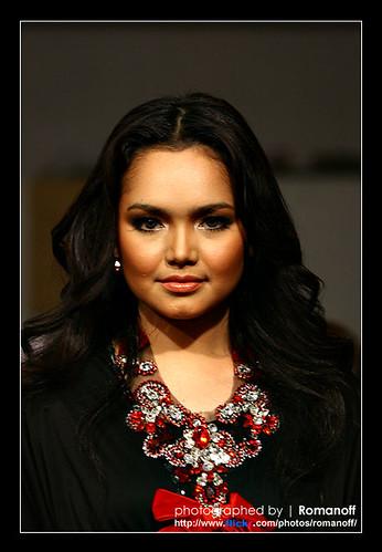 Siti Nurhaliza Montok
