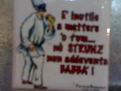 porcellane con scritte (elly75) Tags: christmas italy san funny napoli naples natale divertenti gregorio cartelli insegne folclore scritte armeno