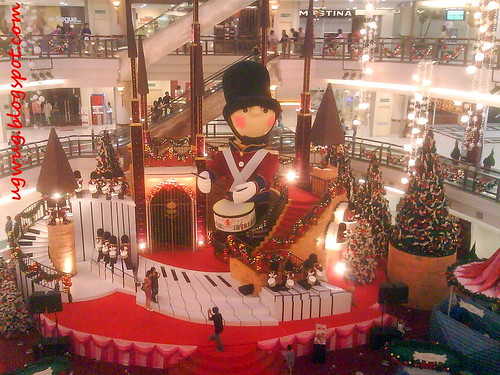 One Utama Christmas Deco
