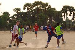 Fotball p Sangkheum Center (Solborg Folkehgskole) Tags: thailand media globalvillage kambodsja