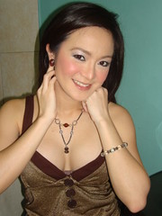 sexy celebrity kitkat (mikobanas) Tags: sexy bar magazine real tv women comedy host uno singer actress abs kitkat hottest punchline comedienne cbn wowowee