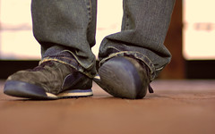 """day86 alternate/a new take on the classic """"feet photo"""" (the half-blood prince) Tags: bokeh 50mmf14d unlimitedphotos"""