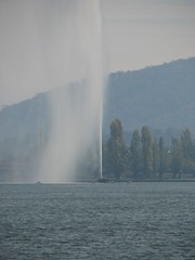 Captain Cook's Memorial Fountain (LibrarianGems) Tags: fountain memorial australia canberra act captaincookmemorialfountain lakegriffenberley