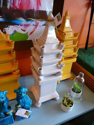 Foo dogs and pagodas at digs