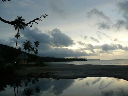 Reflet et plage de Poindimie et Tieti Tera Beach resort