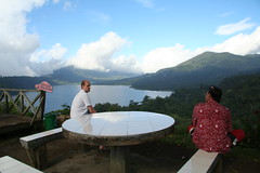 Arno and Mawa on top of the world (~Lyanna~) Tags: bali indonesia buyan tamblingan laketamblingan lakebuyan