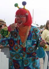 even clowns love cupcakes