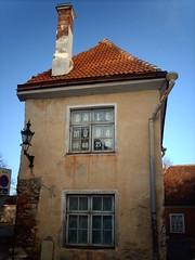 Sale ~ Ma (hugovk) Tags: camera blue autumn roof chimney sky digital october tallinn estonia 21 sale d re lantern colourful hvk ~ cracked 48 56 2007 eesti 61 syksy tallinna lokakuu ma hugovk exif:ISO_Speed=50 imag2058 myydan dopplr:trip=40837 exif:Focal_Length=77mm digitalcamerads5mp exif:Flash=autodidnotfire exif:Aperture=30 exif:Exposure=1187 exif:Exposure_Bias=0 ds5mp camera:Model=ds5mp camera:Make=digitalcamera sale~ma meta:exif=1364140889