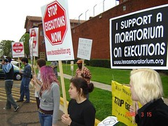 Spring Breakers Protest an Execution in Huntsville - 2006