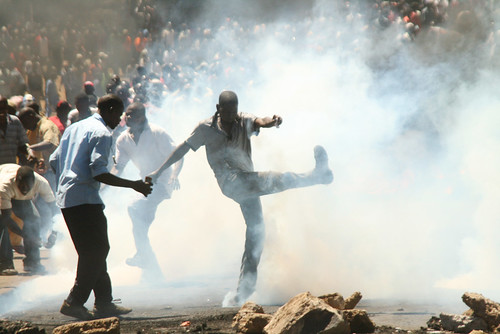 2007 Post election violence in Kenya by ActionPixs (Maruko).