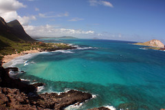 Makapuu Beach and Manana Island (willtooke) Tags: sky slr beach digital canon 350d rebel xt hawaii waves oahu manana makapuu blueribbonwinner 5photosaday a1f1 aplusphoto holidaysvacanzeurlaub diamondclassphotographer flickrdiamond rabittisland
