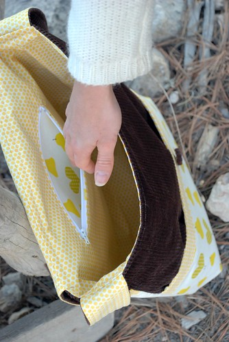 messenger bag inside zipper pocket