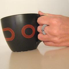 MURA E PERLA (frucci) Tags: red selfportrait black blur cup silver myself paper model hand drink handmade jewelry jewellery pearl woven fru qoq fruccidesign fruspifruspi