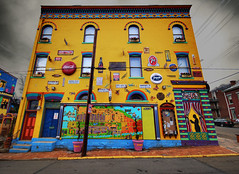 Corner Of Jacksonia & Arch  Streets - North Side (Marc_714) Tags: signs yellow colorful cocacola 7up randyland marc714 thebestyellow