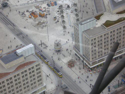 El reloj mundial, visto desde la fernsehturm