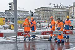 Schnee auf der Bahnhofplatz Baustelle