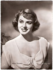 Ingrid Bergman (Truus, Bob & Jan too!) Tags: cinema film ingrid vintage movie star glamour kino european postcard picture swedish cine screen hollywood actress movies clovis mgm bergman postale cartolina carte allure postkarte filmstar vedette ingridbergman ansichtskarte ansichtkaart filmster postkaart metrogoldwynmayer briefkaart briefkarte