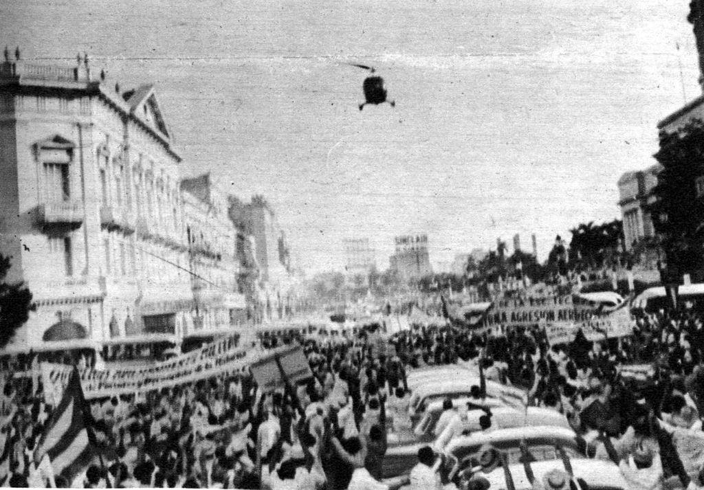 Castro Mobs attack Diario de la Marina 1960