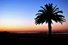 "St. Kilda dawn • <a style=""font-size:0.8em;"" href=""http://www.flickr.com/photos/52384688@N06/5750799304/"" target=""_blank"">View on Flickr</a>"