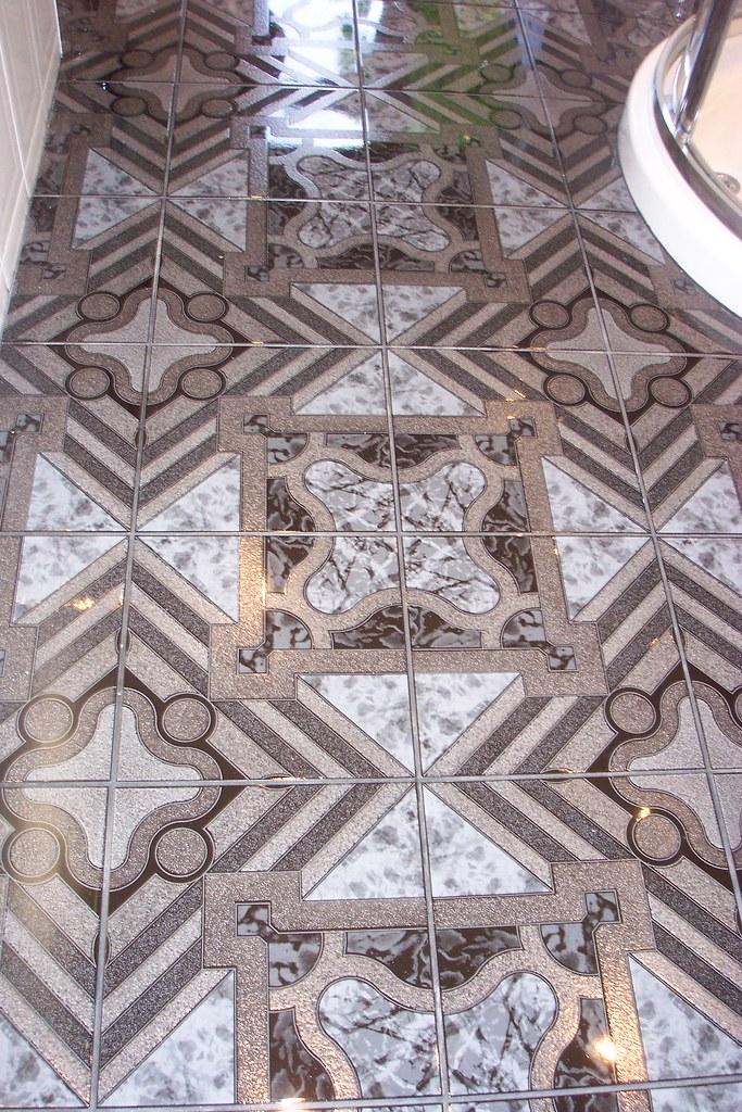 Bathroom remodel: the ceramic tile floor