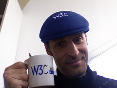 French version of blue beanie (shawn-wai) Tags: w3c karldubost w3t bluebeanieday2007