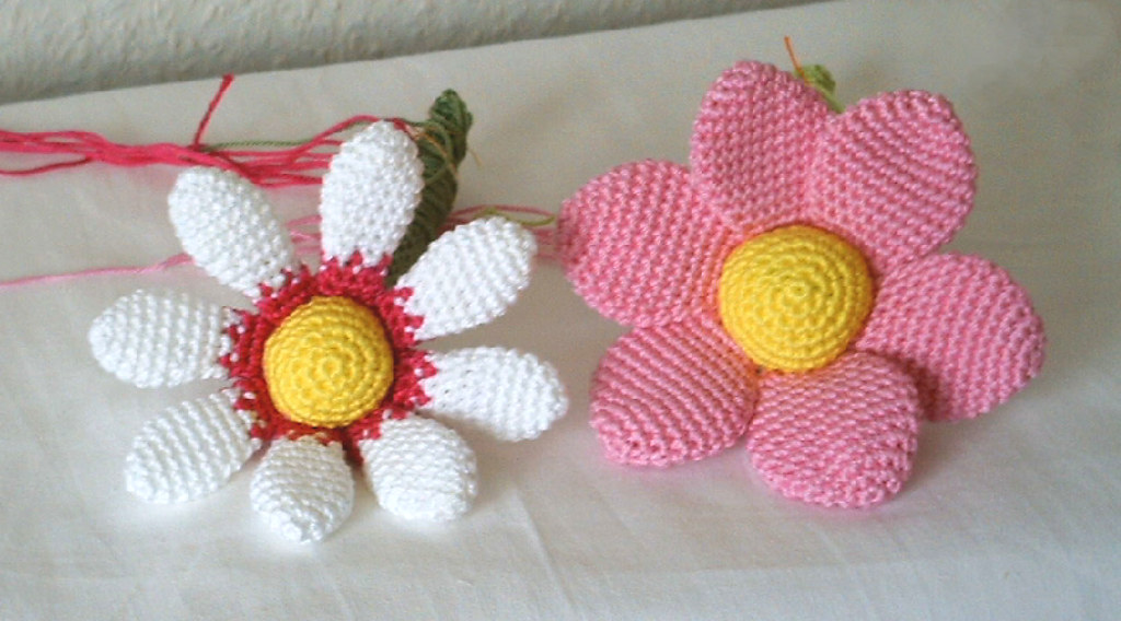 Amigurumi Flower Tutorial : The Worlds Best Photos by Diana Prince - Flickr Hive Mind