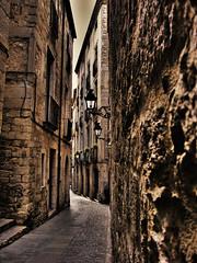 Carrer de la fora,Fora street in girona (david A.F Photography) Tags: street espaa spain catalonia girona catalunya farolas espagne hdr catalua espanya photomatix carrerdelafora canonpowershotg9 elmural qualitypixels davidg9photography