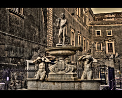 HDR Catania - Fontana dell'Amenano (Antudo) Tags: sicily bruno hdr catania sicilia tamron18200 fontanadellamenano sonyalpha350 siciliainhdr antudo