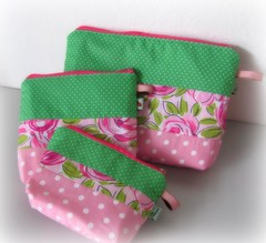 Kit Lindeza ... (Joana Joaninha) Tags: love bag amor rosa bolsa rosas ki ziper diadosnamorados portamoeda necessarie pa joanajoaninha