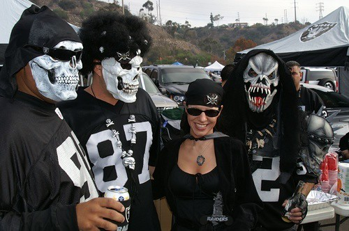 Oakland raiders tailgaters